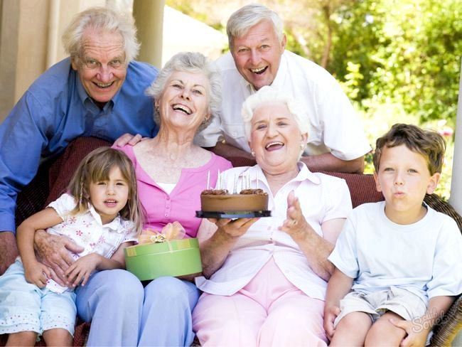 Як привітати бабусю