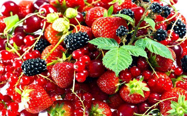 Як правильно заморозити ягоди