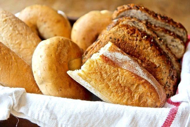 Як розм'якшити черствий хліб