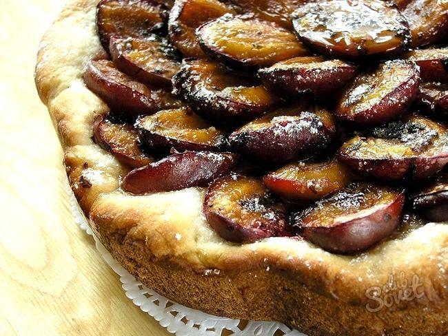Пиріг зі сливами, як приготувати