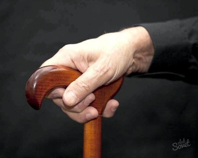 Звільнення за скороченням штату пенсіонера